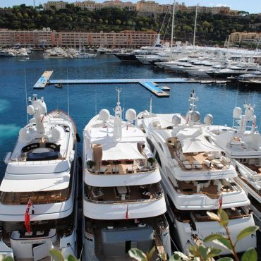 Yacht rental: luxury within a click