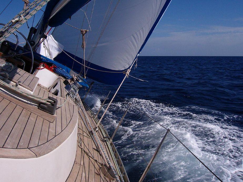 iniziare il nuovo anno in barca, dormire in barca a Genova