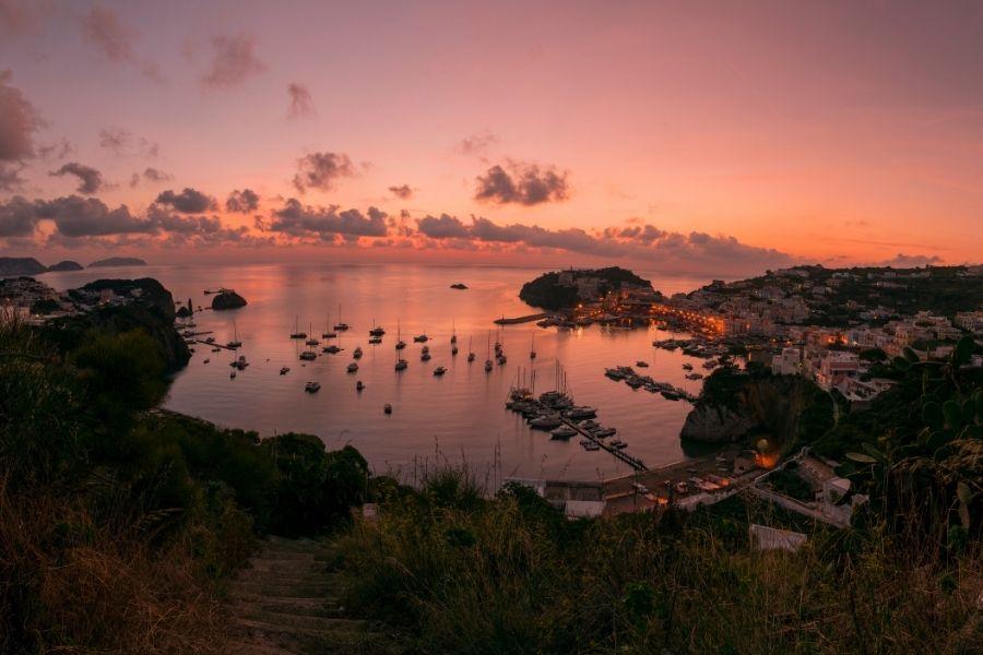 vacanze in barca, viaggiare in barca, golfo di Latina