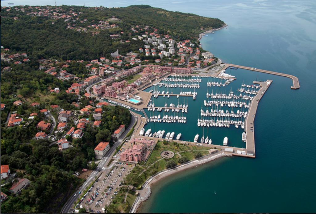Porto san Rocco, Marina Resort