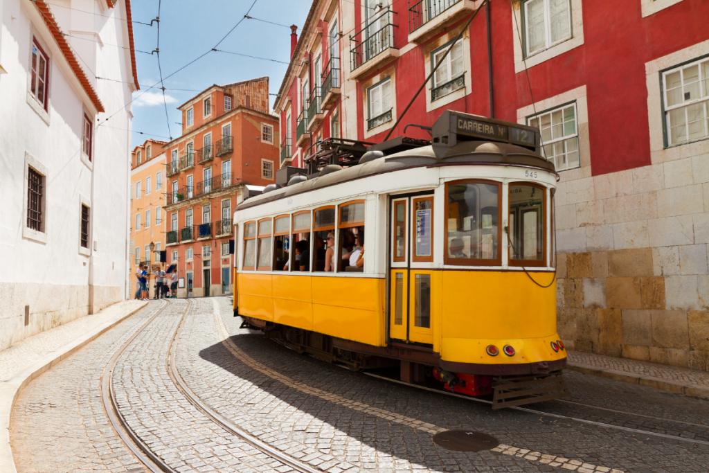 Boat holiday in Lisbon, Tram Lisbon