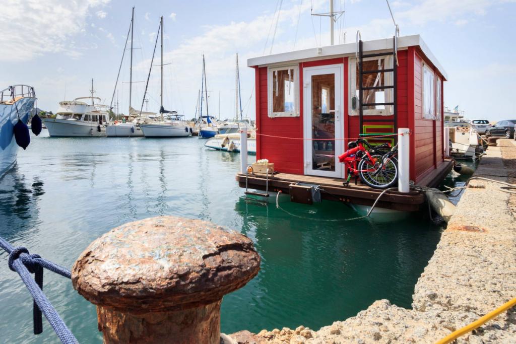boat holiday in Cagliari , marina houseboat