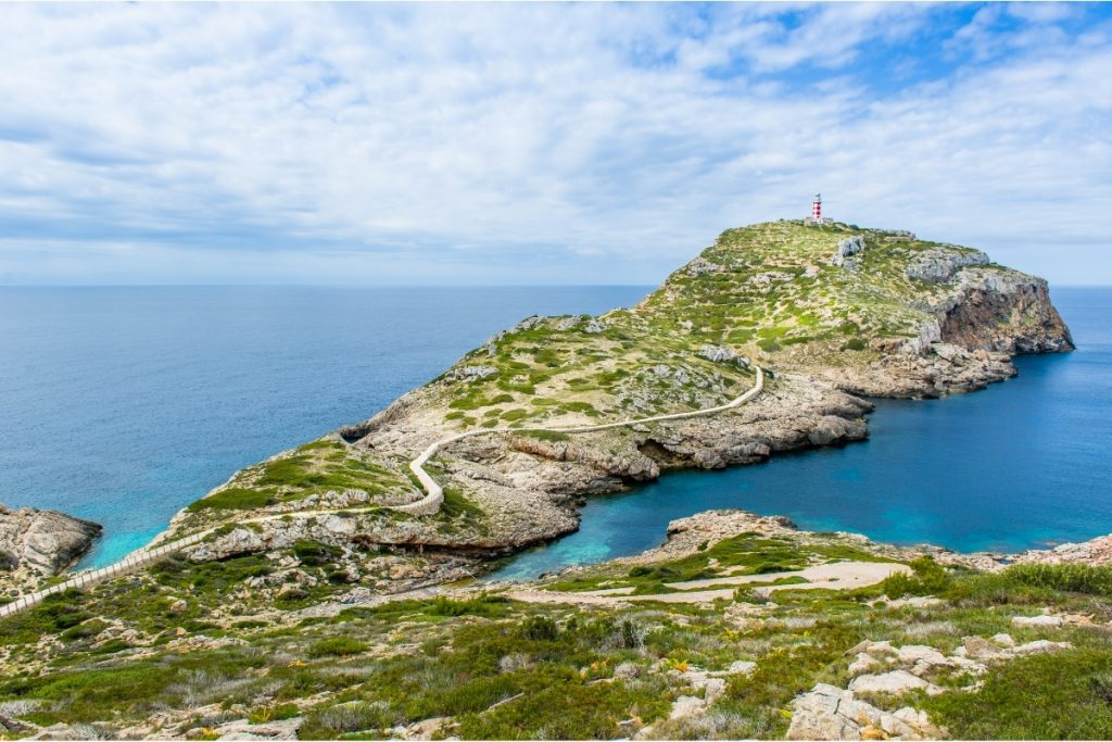 Boat holiday in the Balearic Islands, cabrera