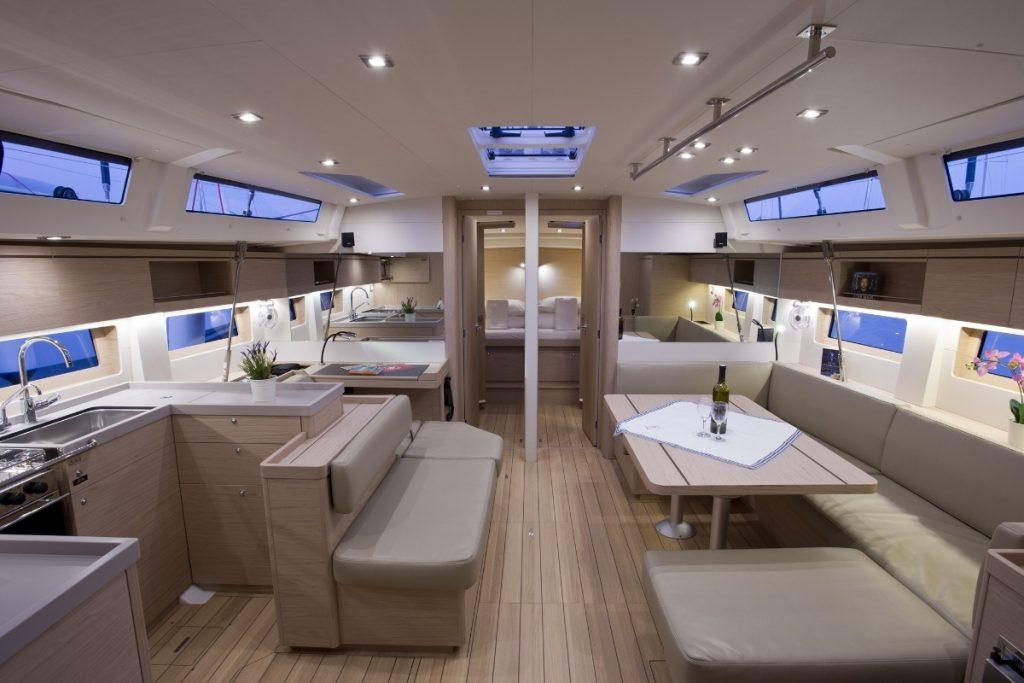 Croazia in barca, interni