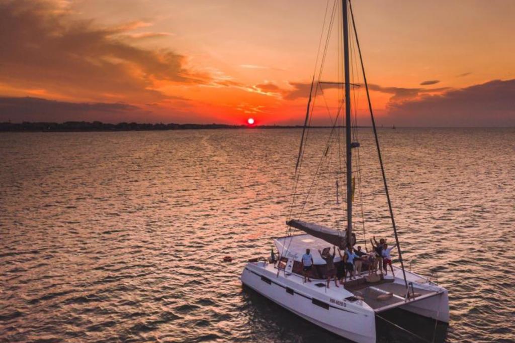 Rimini e Riccione on boat, cruise private