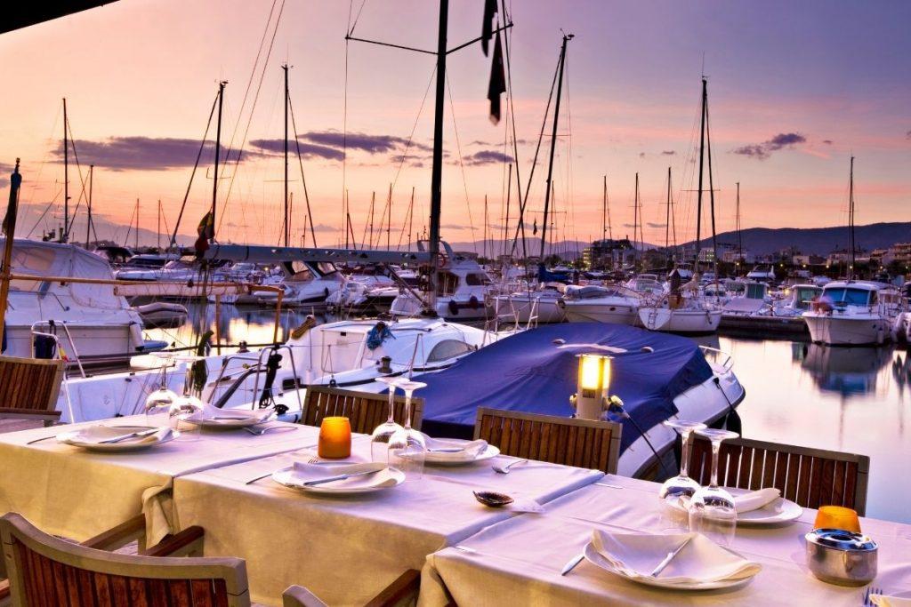 Letyourboat Ein Spaziergang am Yachthafen